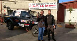 Salvador Rubén y Carlos Ruiz en Autodesguace CAT La Mina.