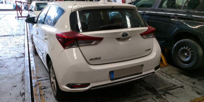 Toyota Auris Hybrid en Autodesguace CAT La Mina.