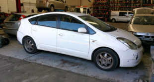 Toyota Prius Hybrid en Autodesguace CAT La Mina.