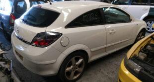 Opel Astra GTC en Autodesguace CAT La Mina.