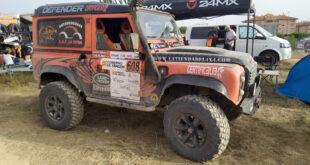 Land Rover Defender del equipo Escudería La Mina Competición.